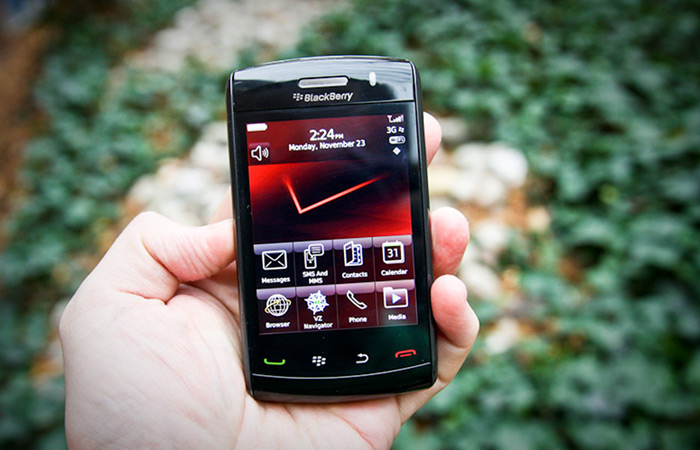 blackBerry Storm | apptoday.ru